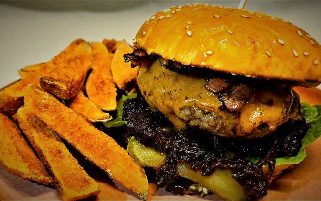 AKCIÓS újdonságunk is házhoz megy: Füstös Szarvas Burger